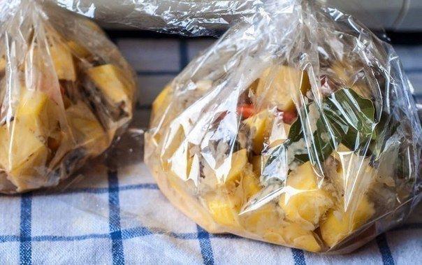 Картошка с курицей с грибами в рукаве в духовке рецепт