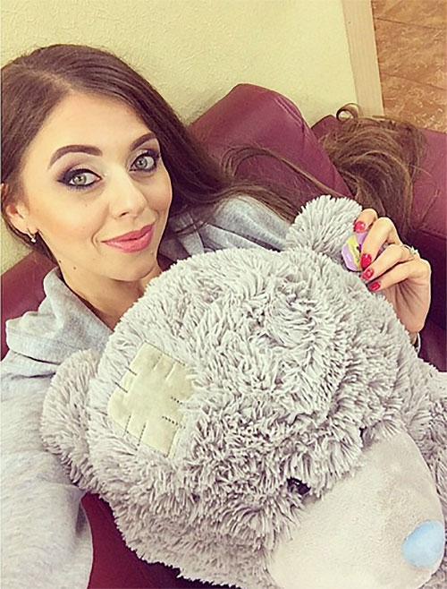 Ольга рапунцель с подругой фото