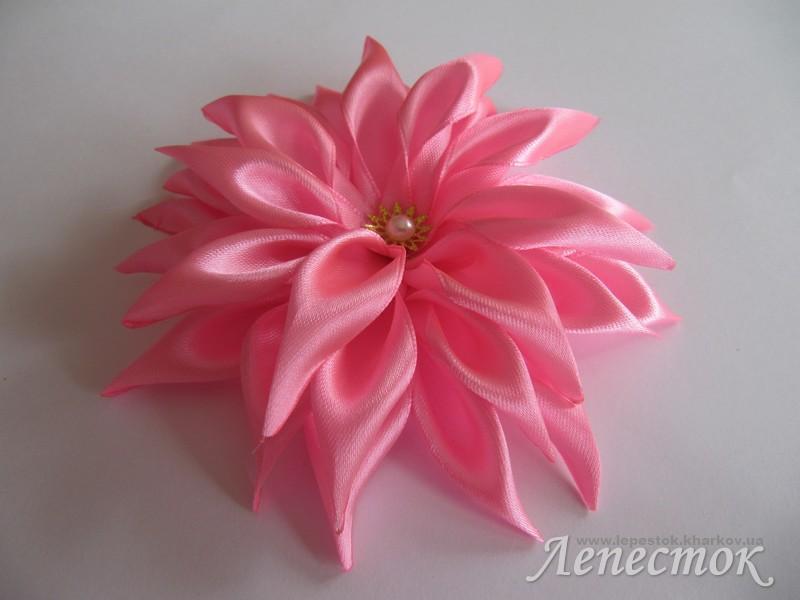 Цветы из атласных лент своими руками фото