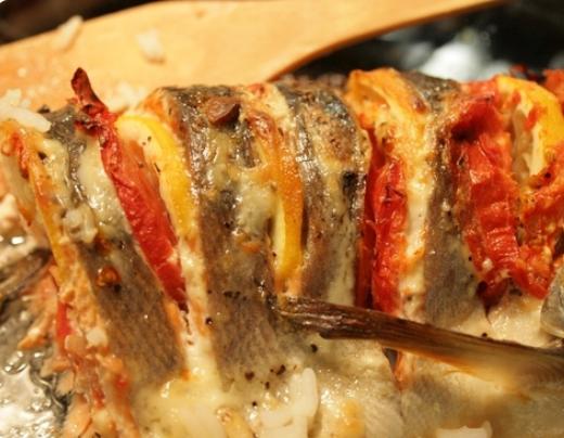 Кижуч в духовке рецепт с помидорами