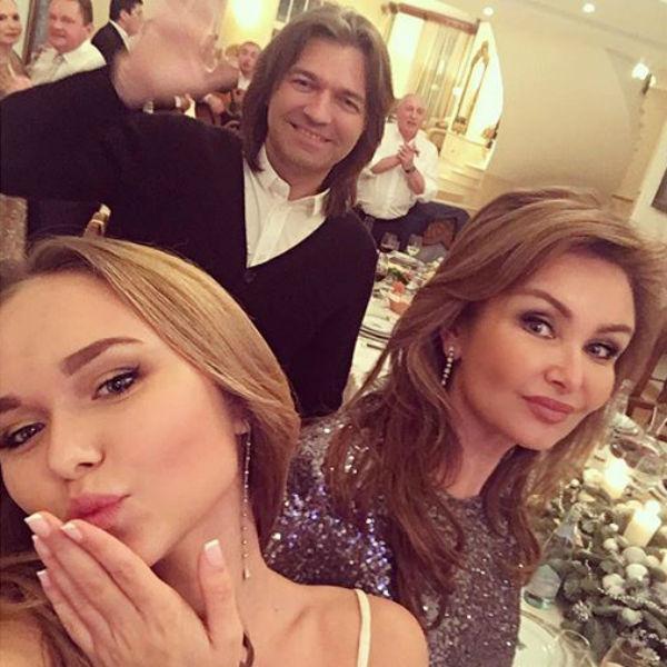 Русский секс мама дочь и молодой жених 13 фотография