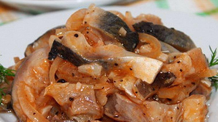 Селедка маринованная в томате рецепт