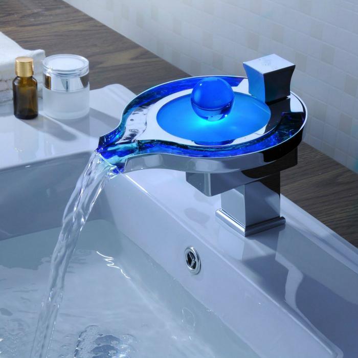 Сенсорный смеситель для раковины в ванную