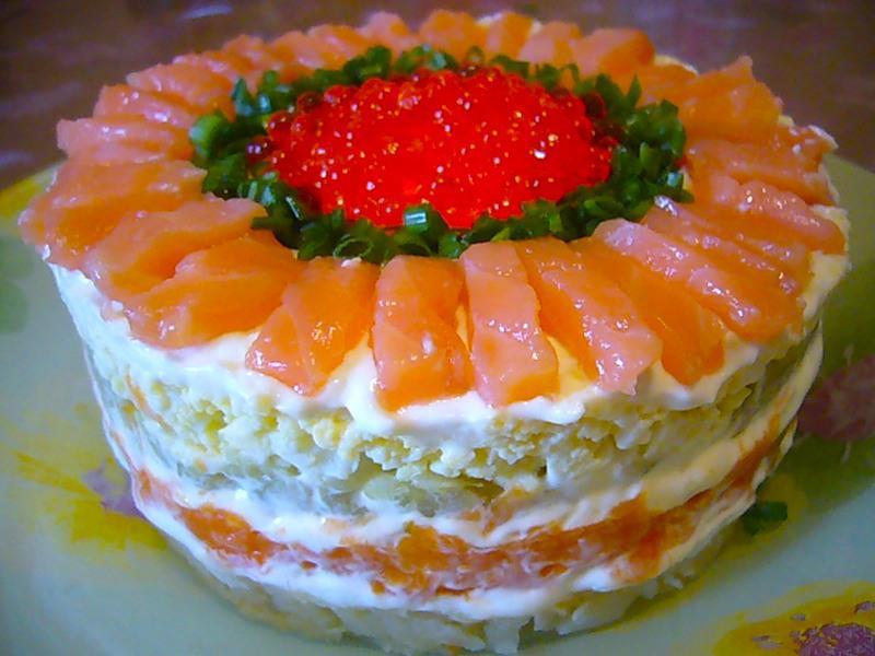 Салат с семгой рецепт фото