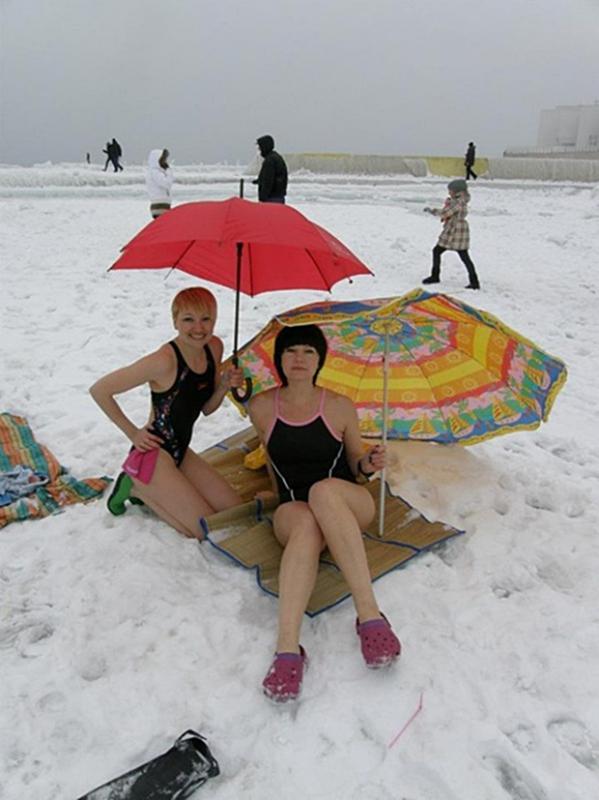 foto-v-kupalnike-na-snegu
