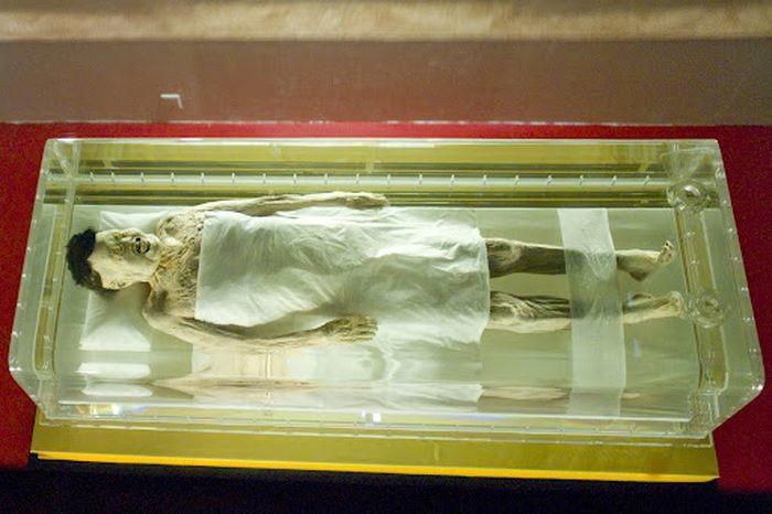 Отметим, что некоторые практикующие буддисты считают, что подобные мумии