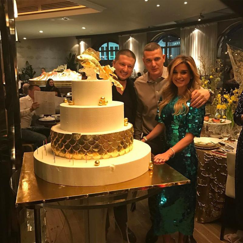 клинками пользуются торт бородиной на свадьбе фото занятий каратэ