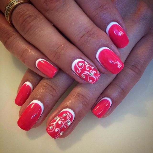 Фото красных ногтей покрытых гель лаком