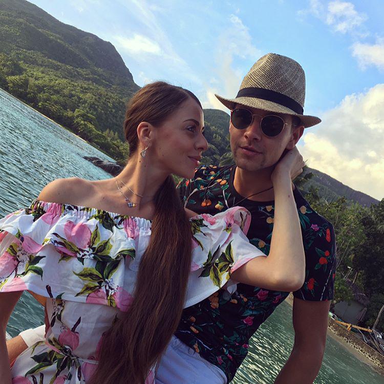 Фото ольга рапунцель с подругой