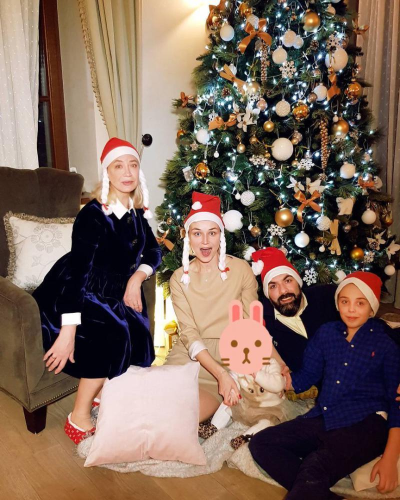 полина гагарина фото семьи